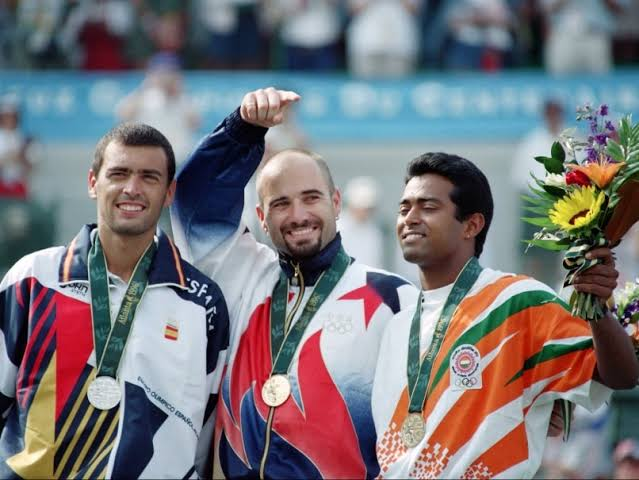 Leander Paes is a bronze medalist in the singles event in the Olympics in 1996.