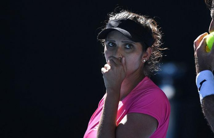 Sania MIrza angry over people posting cooking and food related videos (Image: Indiatimes)