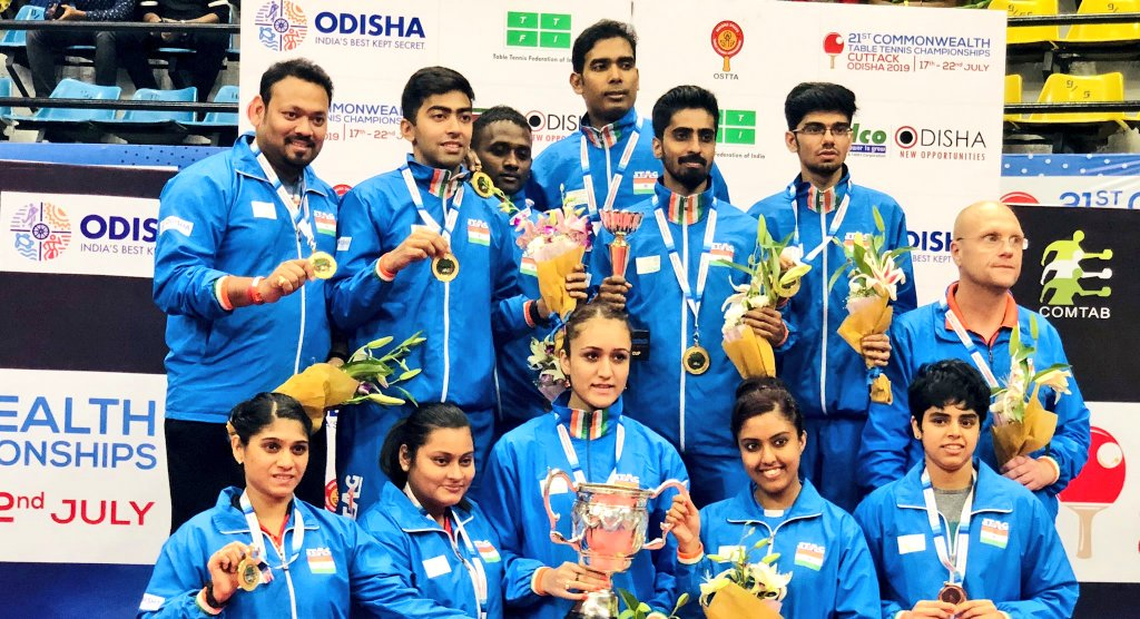 Indian Table Tennis team after winning Commonwealth C'ships in Cuttack beating England (Source: Kiren Rijiju/Twitter)