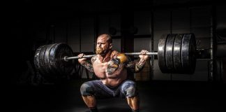 A portmanteau of powerlifting and bodybuilding, powerbuilding is a training style that can help you with strength and aesthetics, providing the complete package for most fitness goals.