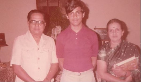 Viswanathan Anand with his Parents